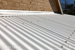 Texture of Super Therm® on a corrugated roof by airless sprayer